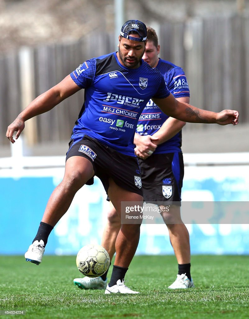 <a gi-track='captionPersonalityLinkClicked' href=/galleries/search?phrase=Tony+Williams+-+Rugby+Player&family=editorial&specificpeople=224594 ng-click='$event.stopPropagation()'>Tony Williams</a> kicks the ball during a Canterbury Bulldogs NRL training session at Belmore Sports Ground on September 3, 2014 in Sydney, Australia.