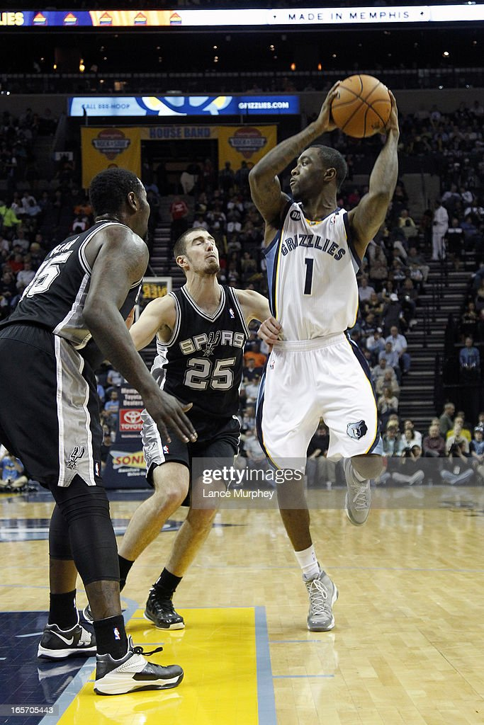 <a gi-track='captionPersonalityLinkClicked' href=/galleries/search?phrase=Tony+Wroten&family=editorial&specificpeople=7651920 ng-click='$event.stopPropagation()'>Tony Wroten</a> #1 of the Memphis Grizzlies looks to pass the ball against the San Antonio Spurs on April 1, 2013 at FedExForum in Memphis, Tennessee.