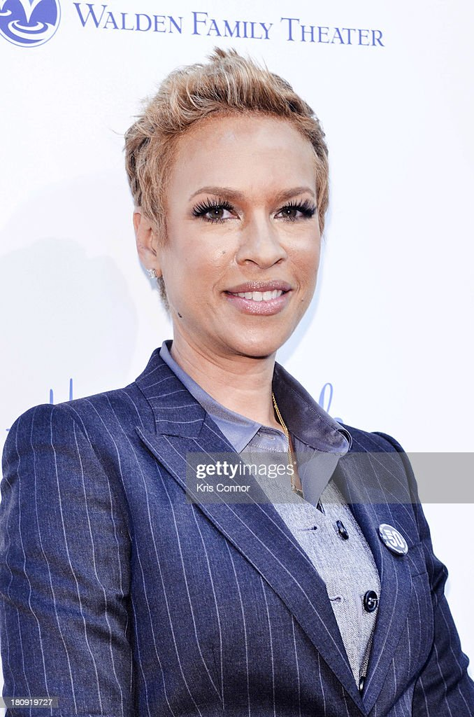 <a gi-track='captionPersonalityLinkClicked' href=/galleries/search?phrase=Tonya+Lewis+Lee&family=editorial&specificpeople=591625 ng-click='$event.stopPropagation()'>Tonya Lewis Lee</a> poses on the red carpet during the 'The Watson's Go To Birmingham' Washington DC Screening at NEWSEUM on September 17, 2013 in Washington, DC.