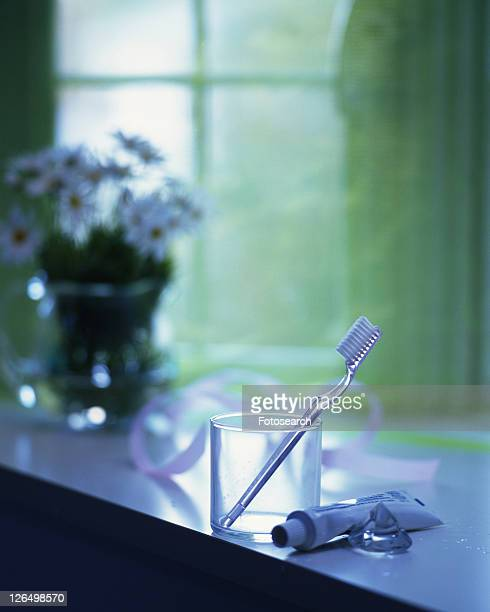 Toothbrush and paste, Close Up, Differential Focus