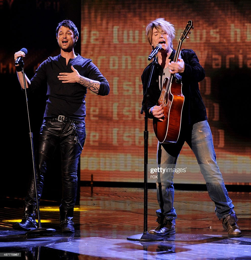 Top 3 finalist Jeff Gutt (L) and Johnny Rzeznik perform onstage on FOX's 'The X Factor' Season 3 Top 3 Live Finale Performance Show on December 18, 2013 in Hollywood, California.