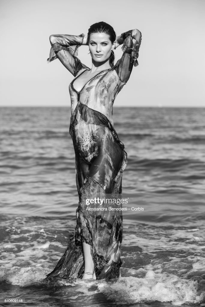 Top Model Isabeli Fontana is seen posing on the beach of the Excelsior Hotel during the 74th Venice Film Festival on August 29, 2017 in Venice, Italy.