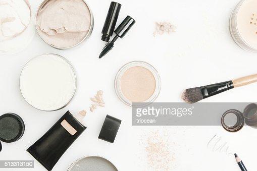 Vista dall'alto di prodotti cosmetici diversi : Foto stock