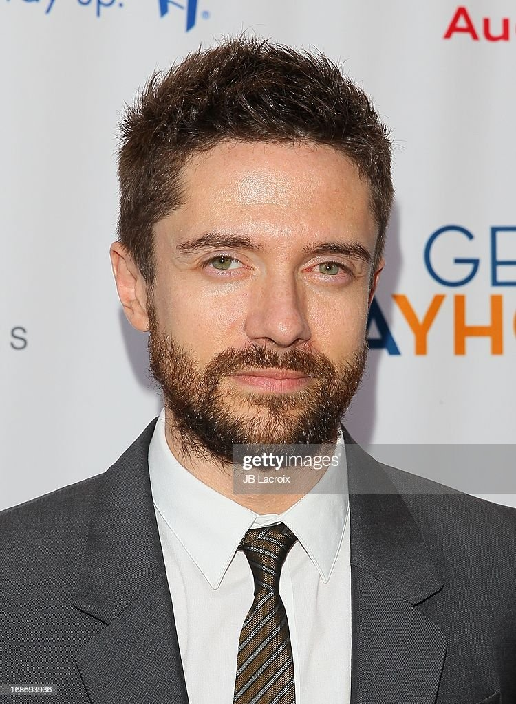 <a gi-track='captionPersonalityLinkClicked' href=/galleries/search?phrase=Topher+Grace&family=editorial&specificpeople=203130 ng-click='$event.stopPropagation()'>Topher Grace</a> attends the 'Backstage At The Geffen' honoring Billy Crystal at Geffen Playhouse on May 13, 2013 in Los Angeles, California.