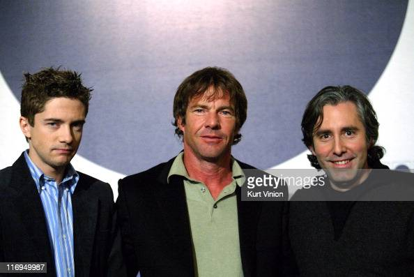 Topher Grace Dennis Quaid and Director Paul Weitz