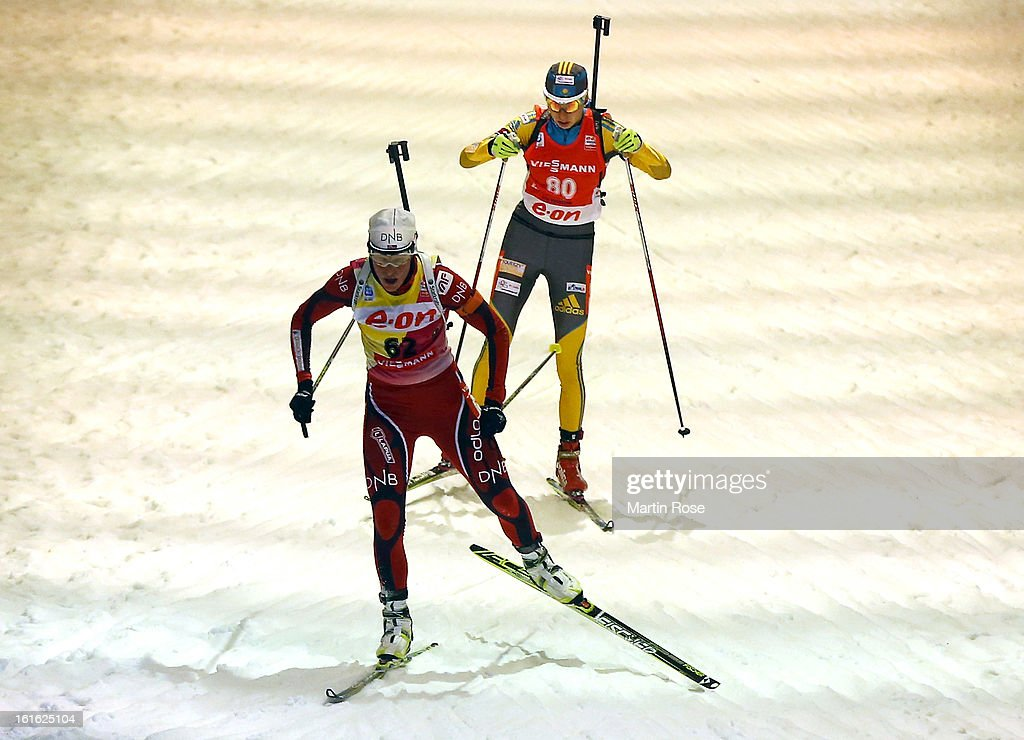 Tora Berger (front) of Norway competes in the Women's 15km Individual during the IBU Biathlon World Championships at Vysocina Arena on February 13, 2013 in Nove Mesto na Morave, Czech Republic.