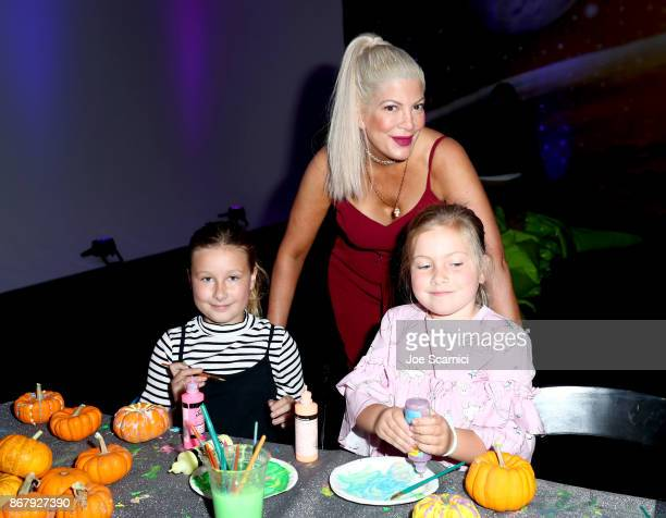 Tori Spelling and family at The Elizabeth Glaser Pediatric AIDS Foundation's 28th annual 'A Time For Heroes' family festival at Smashbox Studios on...
