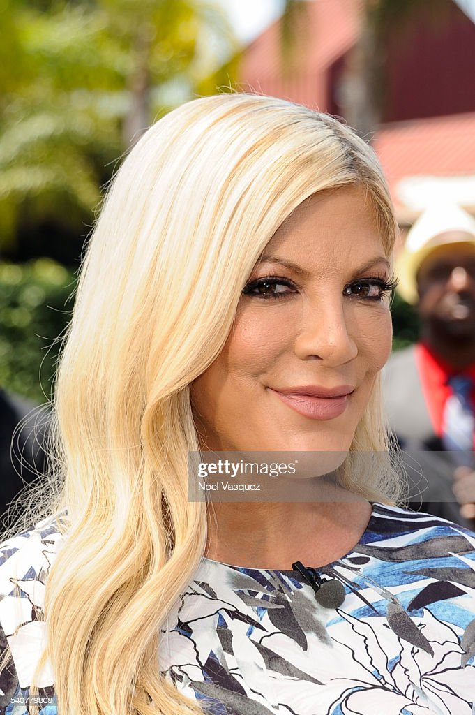 "Tori Spelling On ""Extra"" 