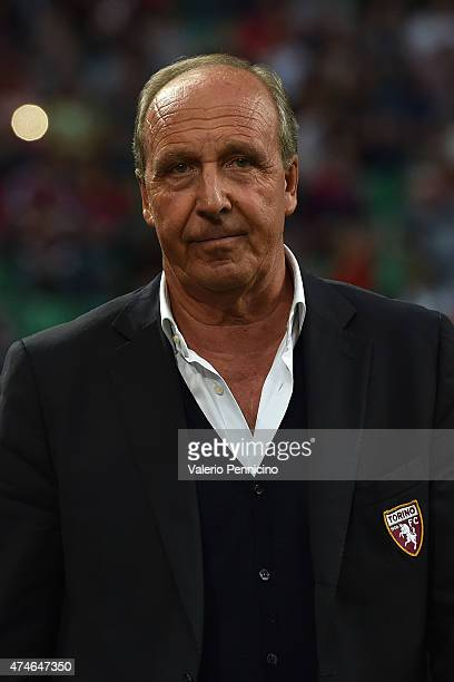 Torino FC head coach Giampiero Ventura looks on during the Serie A match between AC Milan and Torino FC at Stadio Giuseppe Meazza on May 24 2015 in...