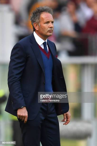 Torino FC head coach Sinisa Mihajlovic watches the action during the Serie A match between Torino FC and AS Roma at Stadio Olimpico di Torino on...