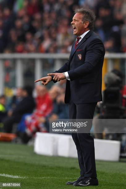 Torino head coach Sinisa Mihajlovic shouts to his players during the Serie A match between FC Torino and FC Internazionale at Stadio Olimpico di...