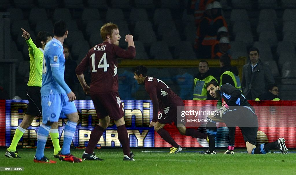 Torino's forward Alessandro Sgrigna (C) celebrates after scoring during the serie A football match between Turin and Naples, on March 30, 2013 in Turin, at the Olympic stadium . AFP PHOTO / OLIVIER MORIN