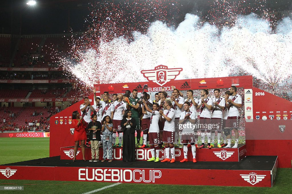 Torino«s players receving the Eusebio Cup Trophy at the end of the match between SL Benfica and Torino for the Eusebio Cup at Estadio da Luz on July 27, 2016 in Lisbon, Portugal.