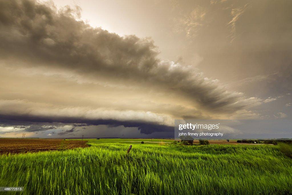Tornadic storm ride cloud, Kansas