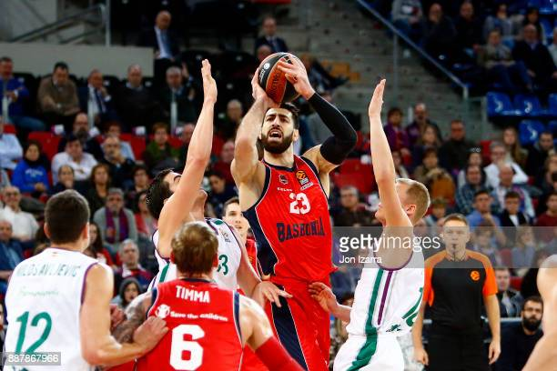 Tornike Shengelia #23 of Baskonia Vitoria Gasteiz in action during the 2017/2018 Turkish Airlines EuroLeague Regular Season Round 11 game between...