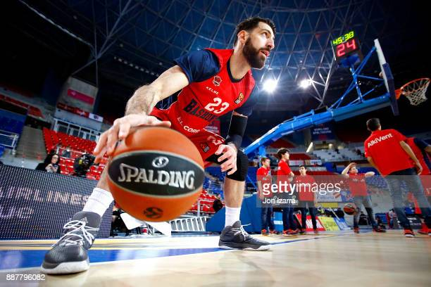 Tornike Shengelia #23 of Baskonia Vitoria Gasteiz warm up during the 2017/2018 Turkish Airlines EuroLeague Regular Season Round 11 game between...
