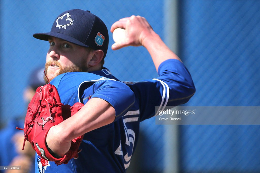 Toronto Blue Jays pitcher Drew Storen throws in the bullpen. Toronto Blue Jays Spring Training for the 2016 Major League Baseball Season in Bobby Mattick Training Center at Englebert Complex in Dunedin.