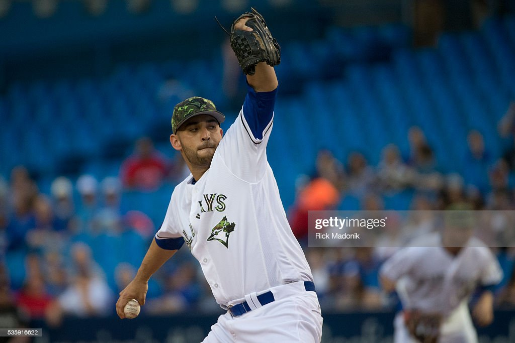 Toronto Blue Jays starting pitcher Marco Estrada (25) works the 1st inning. Toronto Blue Jays V New York Yankees in MLB regular season action at Rogers Centre. Toronto Star/Rick Madonik