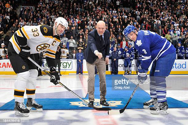 Toronto Maple Leafs Alumnus Mats Sundin takes part in an on ice ceremony prior to NHL game action between the Toronto Maple Leafs and the Boston...
