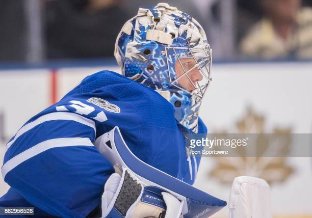 Toronto Maple Leafs goalie Frederik Andersen takes a break in the first period during the Toronto Maple Leafs game versus the Chicago Blackhawks on...