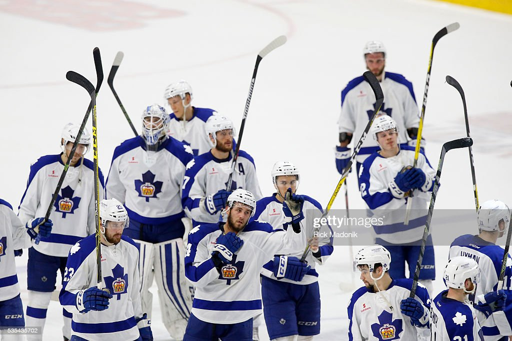 Toronto Marlies salut the crowd after their defeat. Toronto Marlies V Hersey Bears during 3rd period play of Game 5 of AHL playoff action at the Ricoh Coliseum. Marlins lose 3-2 and Hersey wins the series 4-1. Toronto Star/Rick Madonik