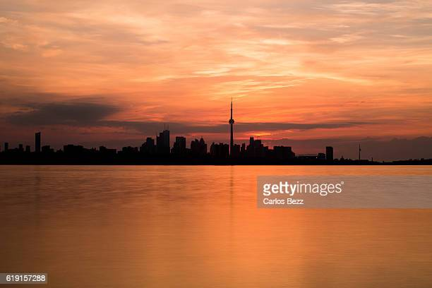 toronto skyline sunrise