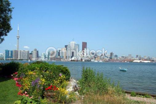 Toronto skyline with island garden : Stock Photo