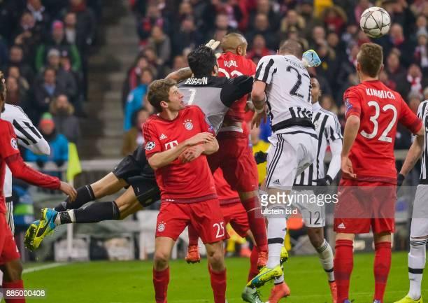 Torwart Gianluigi Buffon in Aktion waehrend dem 1/8 Finalrueckspiel der UEFA Champions League FC Bayern Muenchen gegen Juventus Turin in der Allianz...