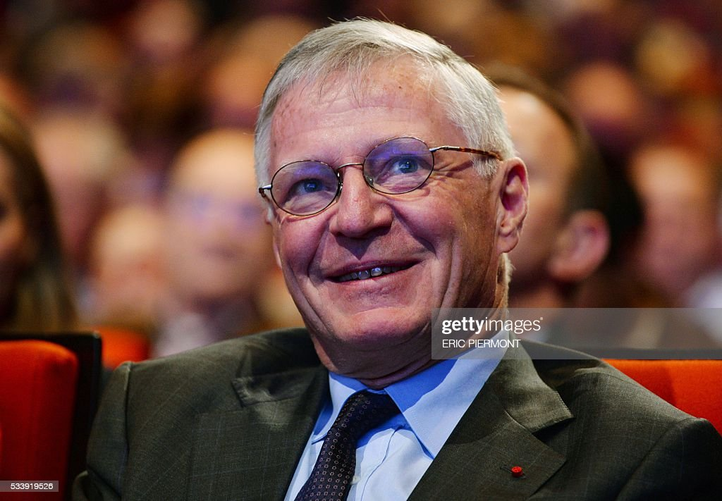 Total Honorary Chairman and member of the Board of Directors Thierry Desmarest attends his last Total general meeting in Paris on May 24, 2016. / AFP / ERIC