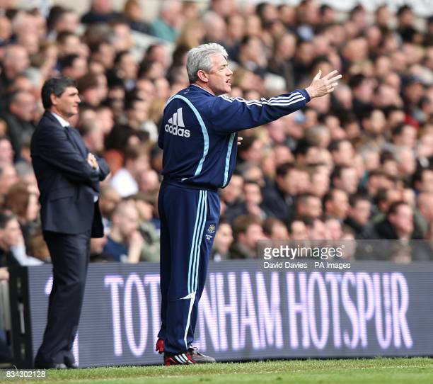 Tottenham Hotspur manager Juande Ramos and Newcastle United manager Kevin Keegan on the touchline