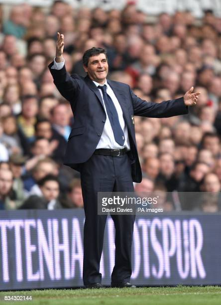 Tottenham Hotspur manager Juande Ramos on the touchline