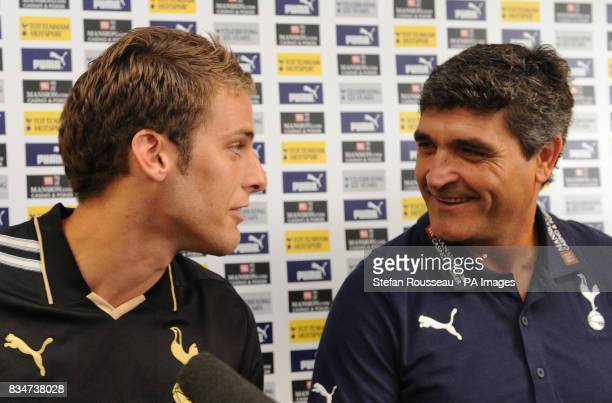 Tottenham Hotspur manager Juande Ramos with his new signing David Bentley during a press conference at Spurs Lodge Chigwell