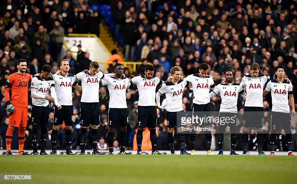Tottenham Hotspur players observe a minutes silence for the victims of the plane crash involving the Brazilian club Chapecoense prior to the Premier...