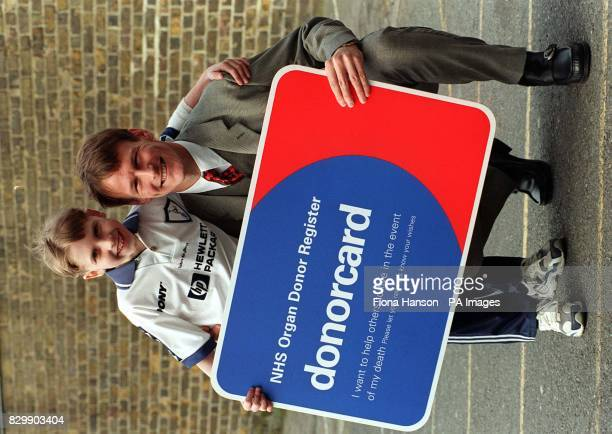 Tottenham Hotspurs and England striker Teddy Sheringham lent his support to a campaign to raise awareness of the need for organ donors he was joined...