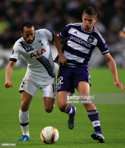 Tottenham Hotspur's Andros Townsend battles for the ball with Anderlecht's Leander Dendoncker