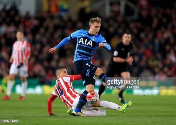 Tottenham Hotspur's Christian Eriksen and Stoke City's Ibrahim Afellay battle for the ball