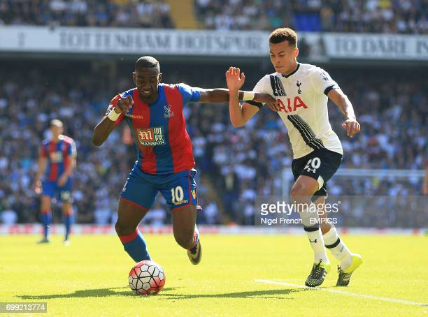 Tottenham Hotspur's Dele Alli and Crystal Palace's Yannick Bolasie battle for the ball