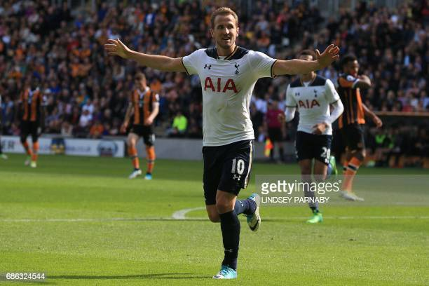 Tottenham Hotspur's English striker Harry Kane celebrates his hat trick after scoring his team's fifth goal during the English Premier League...