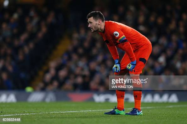 Tottenham Hotspur's French goalkeeper Hugo Lloris keeps goal during the English Premier League football match between Chelsea and Tottenham Hotspur...