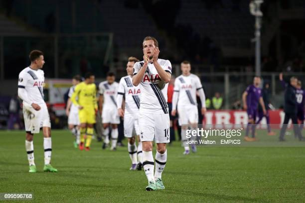 Tottenham Hotspur's Harry Kane applauds the fans after the final whistle