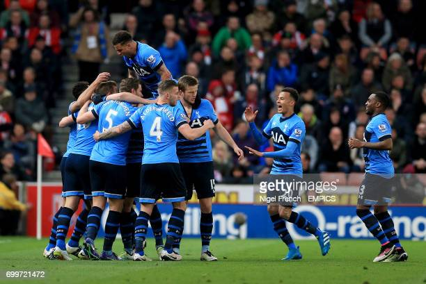 Tottenham Hotspur's Harry Kane celebrates scoring his side's first goal of the game