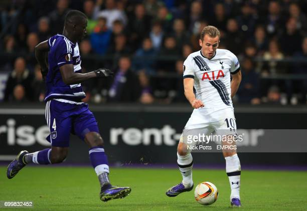 Tottenham Hotspur's Harry Kane fails to score late in 2nd half with his shot save by Anderlecht goalkeeper Sylvio Proto