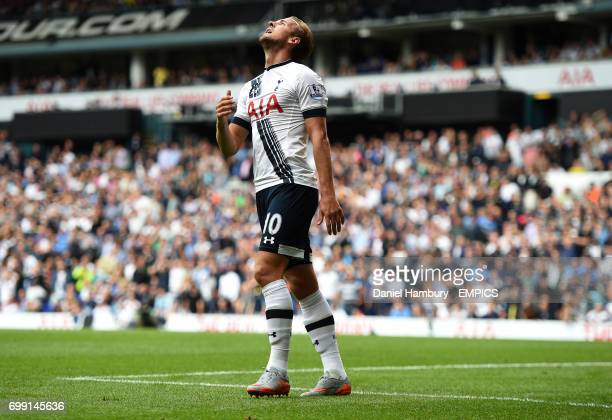 Tottenham Hotspur's Harry Kane reacts after missing a great chance to score
