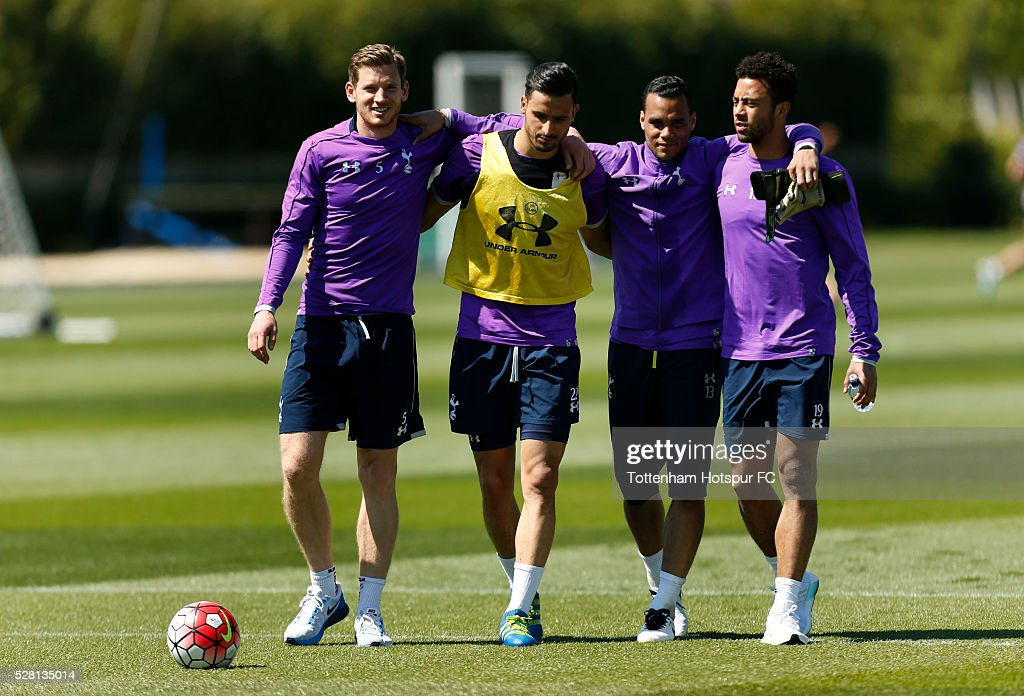 Tottenham Hotspur's Jan Vertonghen, Nacer Chadli, Michel Vorm and Moussa Dembele during training on May 4, 2016 in Enfield, England.
