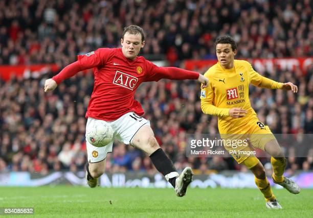 Tottenham Hotspur's Jermaine Jenas and Manchester United's Wayne Rooney