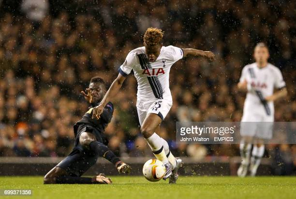 Tottenham Hotspur's Joshua Onomah and AS Monaco's Tiemoue Bakayoko battle for the ball