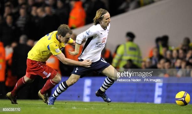 Tottenham Hotspur's Luka Modric and Stoke City's Glenn Whelan battle for the ball
