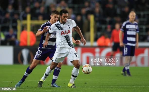Tottenham Hotspur's Mousa Dembele holds off Anderlecht's Leander Dendoncker