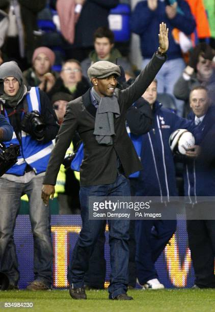 Tottenham Hotspur's new signing Jermain Defoe makes his way out on to the pitch prior to kick off