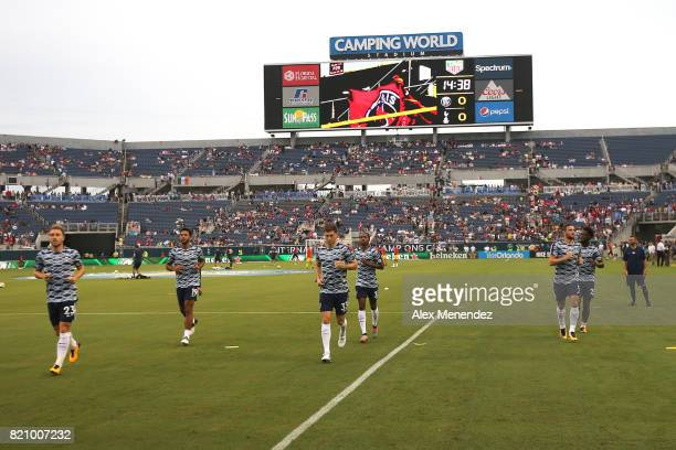 Tottenham Hotspurs players warm up prior to the International Champions Cup 2017 match between Paris SaintGermain and Tottenham Hotspur at Camping...